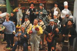 Célébrités françaises en santons. Source : http://data.abuledu.org/URI/53b5bf92-celebrites-francaises-en-santons