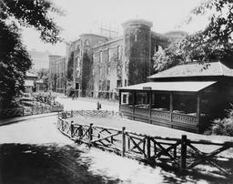 Central Park à NY sous la neige en 1914. Source : http://data.abuledu.org/URI/589e6774-central-park-sous-la-neige-en-1914
