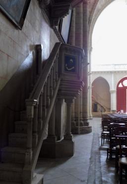 Chaire dans l'église de Saint-Macaire-33. Source : http://data.abuledu.org/URI/599a9c54-chaire-dans-l-eglise-de-saint-macaire-33