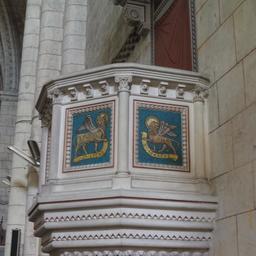 Chaire dans l'église de Saint-Macaire-33. Source : http://data.abuledu.org/URI/599a9d01-chaire-dans-l-eglise-de-saint-macaire-33