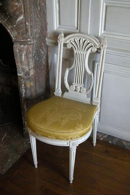 Chaise. Source : http://data.abuledu.org/URI/50b63c81-chaise