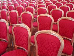 Chaises d'apparat. Source : http://data.abuledu.org/URI/520fd9d6-chaises-d-apparat