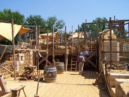 Chantier du logis du seigneur au château de Guédelon. Source : http://data.abuledu.org/URI/537f3fdd-chantier-du-logis-du-seigneur-au-chateau-de-guedelon