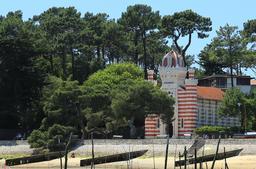 Chapelle de la villa algérienne. Source : http://data.abuledu.org/URI/55bfa872-chapelle-de-la-villa-algerienne