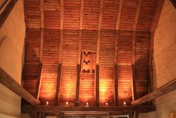 Charpente du porche de la Prévôté de Saint-Épain. Source : http://data.abuledu.org/URI/55dd7fbd-charpente-du-porche-de-la-prevote-de-saint-epain