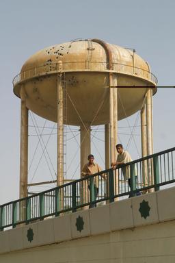 Château d'eau de Nasiriyah en Irak. Source : http://data.abuledu.org/URI/53df9ba8-chateau-d-eau-de-nasiriyah-en-irak
