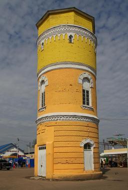 Château d'eau en Russie. Source : http://data.abuledu.org/URI/5416ec40-chateau-d-eau-en-russie