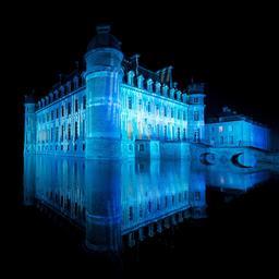 Château de Beloeil en Hainaut de nuit. Source : http://data.abuledu.org/URI/52c0a525-chateau-de-beloeil-en-hainaut-de-nuit