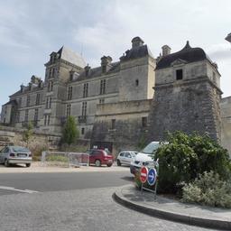 Château de Cadillac-33. Source : http://data.abuledu.org/URI/599a8f68-chateau-de-cadillac-33