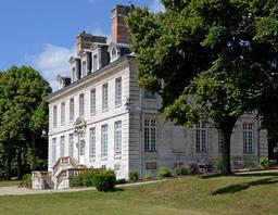 Château de Hautot-sur-Seine. Source : http://data.abuledu.org/URI/555afc71-chateau-de-hautot-sur-seine