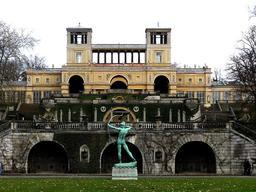 Château de l'Orangerie de Potsdam. Source : http://data.abuledu.org/URI/52b5d892-chateau-de-l-orangerie-de-potsdam