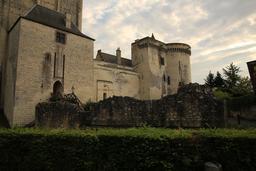 Château de Loches. Source : http://data.abuledu.org/URI/55e417cc-chateau-de-loches