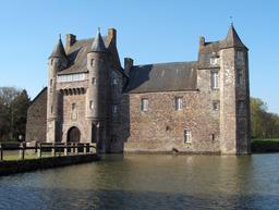 Château de Trécesson, Campénéac (Morbihan). Source : http://data.abuledu.org/URI/52bc55ce-chateau-de-trecesson-campeneac-morbihan-