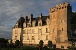 Château de Villandry au lever du soleil. Source : http://data.abuledu.org/URI/55e7632a-chateau-de-villandry-au-lever-du-soleil