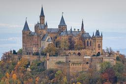 Château Hohenzollern. Source : http://data.abuledu.org/URI/58cec79e-chateau-hohenzollern