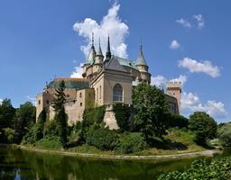 Château romantique en Slovaquie. Source : http://data.abuledu.org/URI/5461eed2-chateau-romantique-en-slovaquie