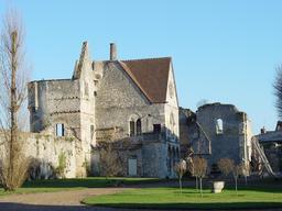 Château royal de Senlis dans l'Oise. Source : http://data.abuledu.org/URI/53ac3d9b-chateau-royal-de-senlis