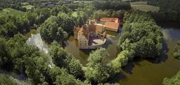 Château sur motte. Source : http://data.abuledu.org/URI/566e5c8d-chateau-sur-motte