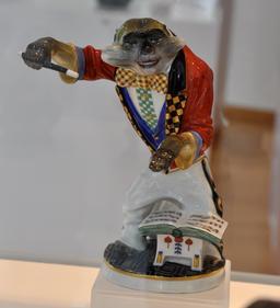 Chef d'orchestre en porcelaine. Source : http://data.abuledu.org/URI/54bbdae3-chef-d-orchestre-en-porcelaine
