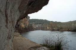 Chemin de halage à Saint-Cirq-Lapopie. Source : http://data.abuledu.org/URI/553aacdb-chemin-de-halage-a-saint-cirq-lapopie