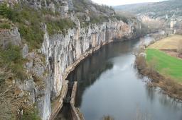 chemin de halage de Saint-Cirq Lapopie (Lot). Source : http://data.abuledu.org/URI/47f533cb-chemin-de-halage-de-saint-cirq-lapopie-lot-