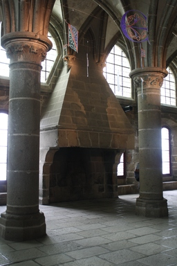 Cheminée de l'abbaye du Mont Saint-Michel. Source : http://data.abuledu.org/URI/532e9fdb-cheminee-de-l-abbaye-du-mont-saint-michel