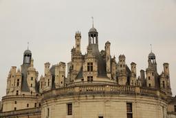 Cheminées du château de Chambord. Source : http://data.abuledu.org/URI/55e60077-cheminees-du-chateau-de-chambord