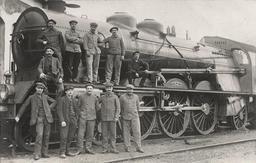 Cheminots du PLM en 1912. Source : http://data.abuledu.org/URI/538e5e88-cheminots-du-plm-en-1912