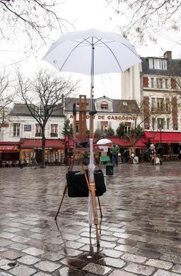 Chevalets sous la pluie. Source : http://data.abuledu.org/URI/5389bedb-chevalets-sous-la-pluie