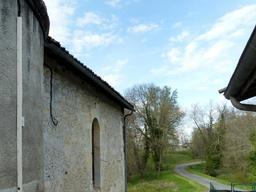 Chevet de l'église de Pujols-sur-Ciron. Source : http://data.abuledu.org/URI/58dae497-chevet-de-l-eglise-de-pujols-sur-ciron