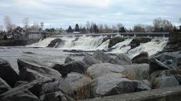 Chutes de Montmagny au Québec. Source : http://data.abuledu.org/URI/59bc5e8d-chutes-de-montmagny-au-quebec