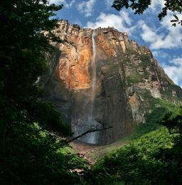 Chutte d'eau de Salto Angel. Source : http://data.abuledu.org/URI/501e3003-chutte-d-eau-de-salto-angel