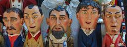 Cinq grosses têtes à Pampelune. Source : http://data.abuledu.org/URI/51a858c1-cinq-grosses-tetes-a-pampelune