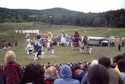 Cirque de marionnettes. Source : http://data.abuledu.org/URI/50e9629d-cirque-de-marionnettes