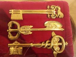 Clés en bronze doré de la ville de Lyon. Source : http://data.abuledu.org/URI/5330713a-cles-en-bronze-dore-de-la-ville-de-lyon
