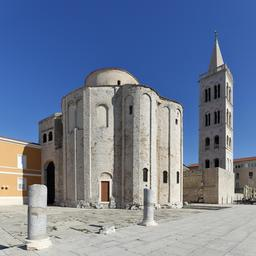 Clocher et église de saint Donatus à Zadar en Croatie. Source : http://data.abuledu.org/URI/59da827a-clocher-et-eglise-de-saint-donatus-a-zadar-en-croatie