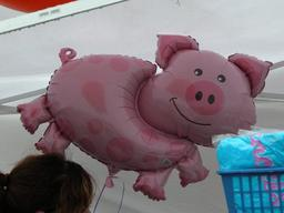 Cochon gonflable. Source : http://data.abuledu.org/URI/52f5568e-cochon-gonflable