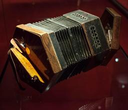 Concertina automatique. Source : http://data.abuledu.org/URI/533ad30f-concertina-automatique