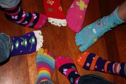 Concours de huit chaussettes fantaisie. Source : http://data.abuledu.org/URI/52ea2dc5-concours-de-huit-chaussettes-fantaisie