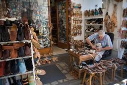 Cordonnier à Capri. Source : http://data.abuledu.org/URI/52ce80f2-cordonnier-a-capri