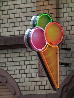 Cornet de glace publicitaire. Source : http://data.abuledu.org/URI/53516841-cornet-de-glace-publicitaire