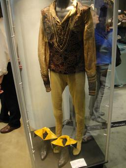 Costume de Douglas Fairbanks en Petruchio. Source : http://data.abuledu.org/URI/535fd18d-costume-de-douglas-fairbanks-en-petruchio