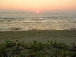 Coucher de soleil à Mimizan dans les Landes. Source : http://data.abuledu.org/URI/546ba981-coucher-de-soleil-a-mimizan-dans-les-landes
