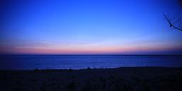 Coucher de soleil sur le Bassin d'Arcachon. Source : http://data.abuledu.org/URI/53d188a6-coucher-de-soleil-sur-le-bassin-d-arcachon