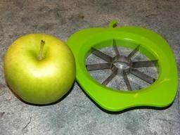 Coupe-pommes. Source : http://data.abuledu.org/URI/50ff0d2d-coupe-pommes