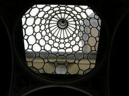 Coupole en verre à Florence. Source : http://data.abuledu.org/URI/5387a6b4-coupole-en-verre-a-florence