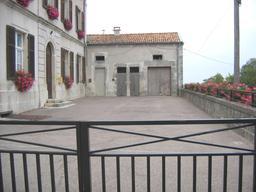 Cour d'école. Source : http://data.abuledu.org/URI/522a56fc-cour-d-ecole
