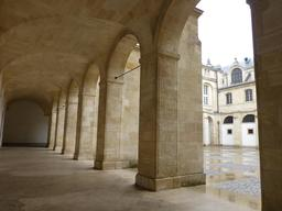 Cour Mably à Bordeaux. Source : http://data.abuledu.org/URI/582790bc-cour-mably-a-bordeaux