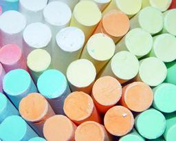 Craies de couleur. Source : http://data.abuledu.org/URI/511e964e-craies-de-couleur