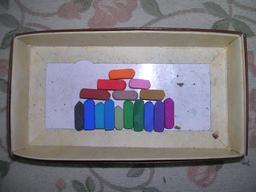Craies pastel. Source : http://data.abuledu.org/URI/531c8b83-craies-pastel